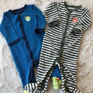 LOT of 2 Carter's Footed Sleep & Play Bodysuits